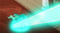 Mistmane's water dragon shoots forward S7E16