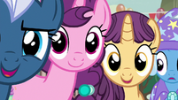 Night Glider and Sugar Belle uncomfortably close to Starlight S6E25