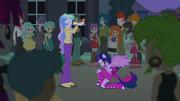 Principal Celestia crowning Twilight EG