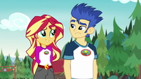 Sunset Shimmer sympathizing with Flash Sentry EG4