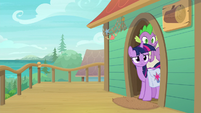 Twilight and Spike notice Dusty is gone S9E5