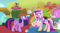 Twilight enters the daycare in a cowboy hat S7E22