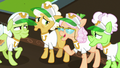 Apple Rose telling her hat story S8E5.png
