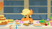 Applejack --I'm not hungry-- S1E22