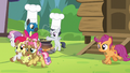 CMC and Kettle Corn run past Thunderlane and Rumble S7E21.png