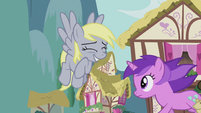 Derpy still wants to help S5E9