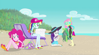 Fluttershy giving Rarity seaweed-covered blanket EGFF
