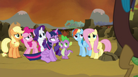 Main 6 and Spike hears Discord S4E26