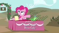 Pinkie Pie sentada com Gummy T4E03
