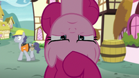Pinkie looks upside-down at fourth wall S8E3