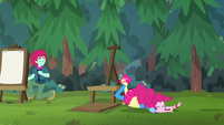 Pinkie trips over festival artist's canvas EGSBP