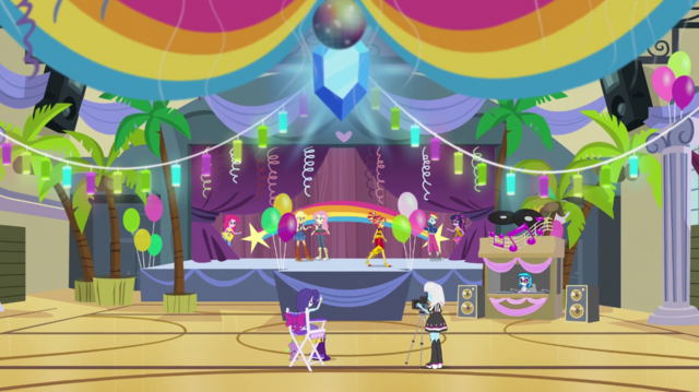 File:Rainbooms auditioning in the gymnasium EGS1.png