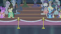 Rarity's friends not present S4E08