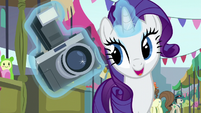 Rarity levitating a camera S6E3