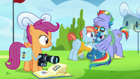 Scootaloo watches Rainbow's parents smother her S7E7