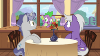 Spike pops in window near Star Bright and Silver Script S7E15