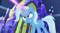Trixie casting teleportation magic S7E2