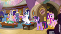 Twilight and Cadance return to Sparkle family cabin S7E22.png