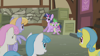 Twilight and Spike cornered S1E03
