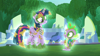 Twilight and Spike glow S5E26