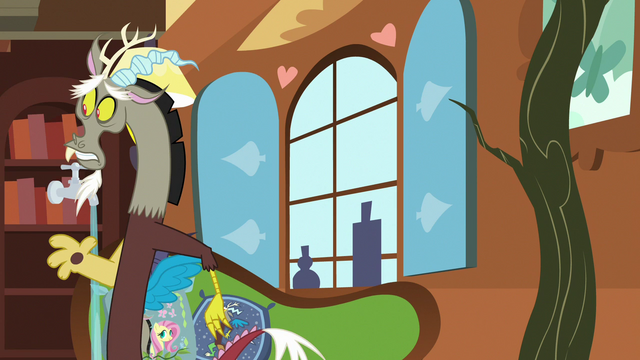File:Discord quickly leaving Fluttershy's house S7E12.png