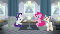 Pinkie pushing her plate away; Rarity face-hoofs S6E12