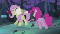 Pinkie shines light at Fluttershy S4E07