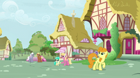 Ponies in Ponyville hear Discord's echo S9E23