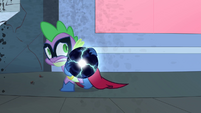 Spike sneaks away with the Electro-Orb S4E06