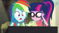 Twilight and Rainbow look at the relics up-close EGS2