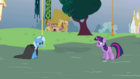 Twilight and Trixie about to duel S3E05