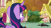 Twilight looks at encroaching vines S9E2