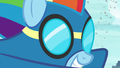 Wonderbolt Rainbow Dash close-up S8 opening.png