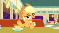"Applejack ""eatin' soup, stirrin' gumbo"" S6E9"