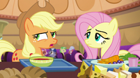 Applejack starting to get suspicious S6E20