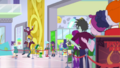 Lots of people waiting in line at the mall EGDS2.png