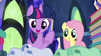 "Twilight ""snacks, books, blankets, books"" S5E23"