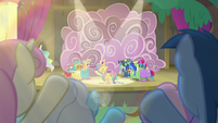 Audience ponies cheering for the actors S8E7