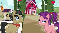 Filthy Rich and Spoiled Milk listen to Applejack S6E23