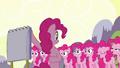 Pinkie clones 'Pinkie Pie!' S3E03.png