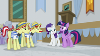 "Rarity ""who would accredit this place?"" S8E16"