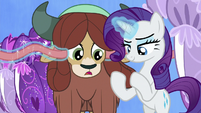 Rarity removing Yona's mane ribbons S9E7