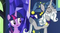 Star Swirl the Bearded dismisses Twilight's concerns S7E26
