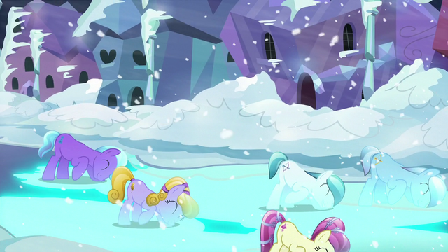 File:The Crystal Ponies bowing and making the streets glow blue S6E2.png