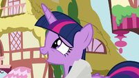 "Twilight ""doing an autograph session"" S8E20"