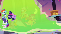 Twilight and friends smothered by Smooze S5E7