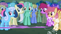 Twilight zooms past Lyra S1E6.png