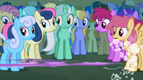 Twilight zooms past Lyra S1E6
