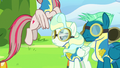 Angel Wings flying away quickly S6E24.png