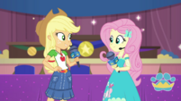 Applejack and Fluttershy look at each other EGDS36